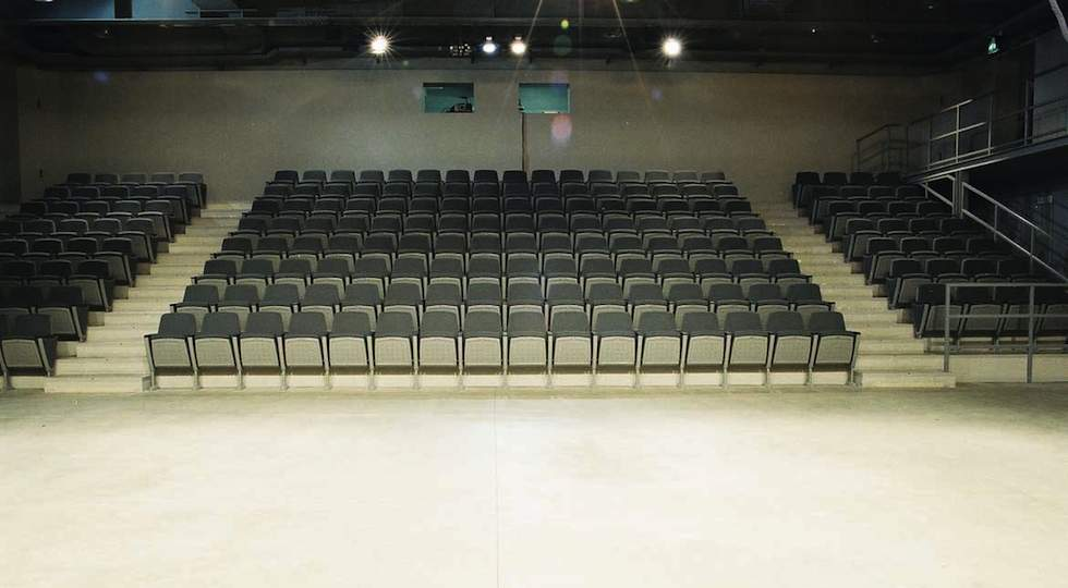 Sala del Teatro outoff in Via Mac Mahon